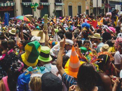 Foiliões no carnaval no Rio de Janeiro